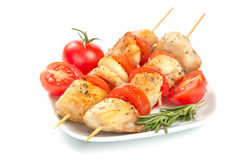 Partes da galinha grelhadas em skewers Imagens de Stock Royalty Free