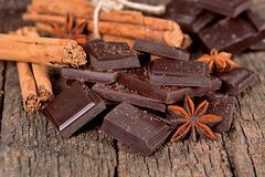 Partes de chocolate escuro Imagens de Stock