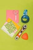 Partes de ferramentas de pano e de costura fotografia de stock royalty free