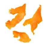 Partes de la cáscara de la mandarina aisladas en blanco Imágenes de archivo libres de regalías