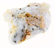 partes de ouro na pedra áspera de quartzo no branco foto de stock royalty free