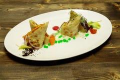 Partes de torta flocoso dos peixes Foto de Stock Royalty Free
