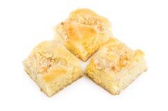 Partes de torta isoladas no fundo branco Imagem de Stock Royalty Free