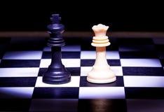 Partes do rei e da rainha de jogo de xadrez Fotos de Stock