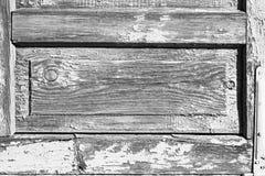 Partes e elementos das portas rústicas de madeira antigas velhas Fotos de Stock
