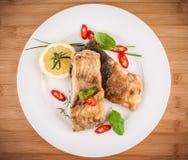 Partes fritadas dos peixes da carpa foto de stock royalty free