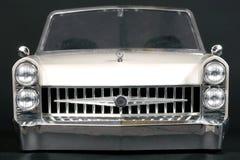 Partes frontales del coche blanco y negro clásico Imagenes de archivo