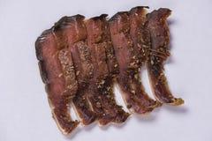 Partes isoladas de peixes secados com carne vermelha de salmões cor-de-rosa fotos de stock royalty free