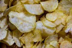 Partes pequenas das microplaquetas de batata Imagem de Stock