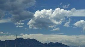 Partes superiores da montanha rochosa fotografia de stock royalty free