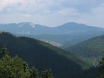Partes superiores das montanhas 2 imagem de stock royalty free