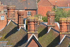 Partes superiores e chaminés do telhado Imagens de Stock Royalty Free