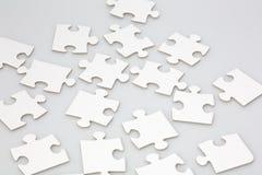 Partes aleatòria colocadas do enigma de serra de vaivém Fotografia de Stock Royalty Free