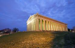 Parthenon de Nashville en la oscuridad Imagen de archivo libre de regalías