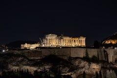 Parthenon por noche Imagenes de archivo