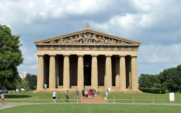 Parthenon-Replik am hundertjährigen Park in Nashville Tennessee USA lizenzfreies stockbild