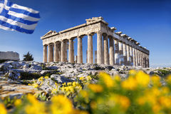 Parthenon Temple With Spring Flowers On The Acropolis In Athens Royalty Free Stock Images