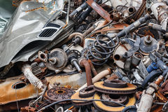 Parti arrugginite del veicolo per il trasporto del metallo del fondo Fotografia Stock