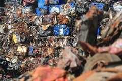 Parti demolita e schiacciato della ferraglia, Fotografia Stock Libera da Diritti