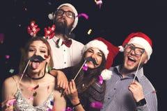 Parti för dräkt för helgdagsafton för ` s för nytt år fotografering för bildbyråer