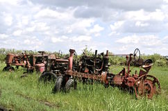 Parti mancanti del vecchio trattore Fotografie Stock Libere da Diritti