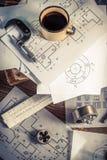 Parti meccaniche dell'ingegnere laborioso dello scrittorio Fotografia Stock