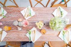 Parti som äter middag tabellen Arkivfoton