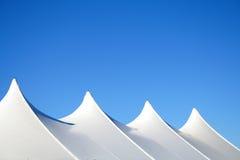 Parti superiori bianche della tenda Fotografia Stock