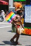 Participant de LGBT Pride Parade à New York City Photographie stock