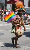 Participant de LGBT Pride Parade à New York City Photographie stock libre de droits