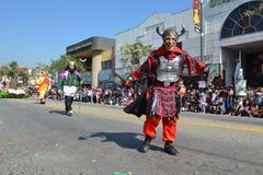 Participante con el traje típico durante el 117o dragón de oro Fotografía de archivo libre de regalías