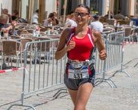 Participante del maratón 2018 en el ayuntamiento viejo - Regensburg, Alemania de Regensburg Fotografía de archivo