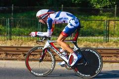 Participante não identificado raça da fase do 70th ciclismo de Pologne da excursão da 7a em Krakow, Polônia Foto de Stock