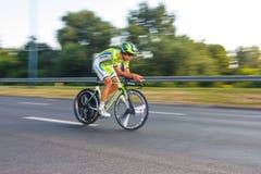 Participante não identificado raça da fase do 70th ciclismo de Pologne da excursão da 7a em Krakow, Polônia Excursão d Imagem de Stock