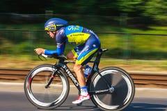 Participante não identificado raça da fase do 70th ciclismo de Pologne da excursão da 7a em Krakow, Polônia Imagens de Stock