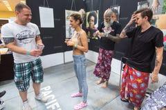 Participantes del festival durante el 11mo convenio internacional del tatuaje en el centro de la Congreso-EXPO de Kraków Fotografía de archivo libre de regalías