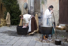 Participantes del partido medieval del traje Imagen de archivo libre de regalías