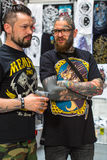 Participantes en el 10mo convenio internacional del tatuaje en centro de la Congreso-EXPO Fotografía de archivo
