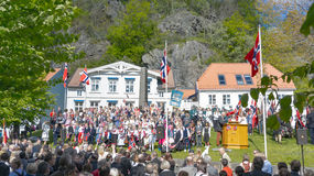 Participantes tradicionalmente vestidos de la celebración el 17 de mayo Fotografía de archivo