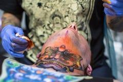 Participants à la 10ème convention internationale de tatouage au centre de Congrès-EXPO Image libre de droits