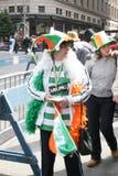 Participants de défilé de jour de Patricks de saint Images libres de droits