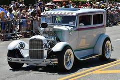 Participants montant la voiture pendant le trente-quatrième défilé annuel de sirène chez Coney Island Image stock