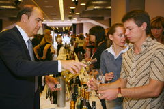 Participants and visitors to the business exhibition of manufacturers and suppliers of italian wines and food  vinitaly Royalty Free Stock Photography
