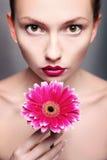 Participation lumineuse de backround de portrait de femme de beauté Images libres de droits