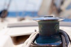 Particolare della barca a vela, argano Fotografia Stock
