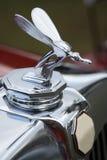 Particolare della mascotte britannica classica del radiatore dell'automobile Fotografia Stock
