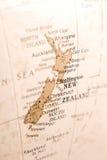 Particolare della Nuova Zelanda su un globo Immagini Stock Libere da Diritti
