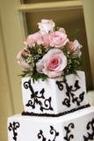 Particolare della torta di cerimonia nuziale Fotografie Stock Libere da Diritti