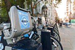 Particolare delle biciclette per noleggio a Londra. Fotografia Stock Libera da Diritti