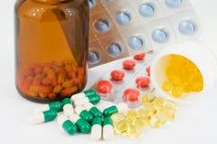 Particolare delle bottiglie della medicina Immagini Stock